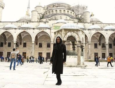ABD'li sanatçı Türkiye'de Müslüman oldu!