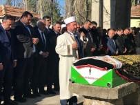 SİYASİ PARTİ - AK Parti'li Vekil Annesinin Cenaze Namazını Kendi Kıldırdı