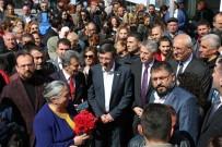 AK Partili Yılmaz Açıklaması 'Tabular Yıkıldı, Eski Kalıplar Geride Bırakıldı'