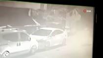 Ataşehir'de Gece Vakti Otomobil Kundaklayan Şahıslar Kamerada