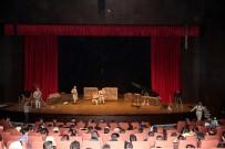 AHMET HAŞIM BALTACı - 'Çanakkale Vatan Sağolsun' Tiyatro Oyunu Duygusal Anlar Yaşattı