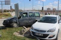Karaman'da Trafik Kazası Açıklaması 2 Yaralı