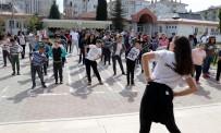 TRAKYA ÜNIVERSITESI - Özel Çocuklar Zumba Dansıyla Coştu