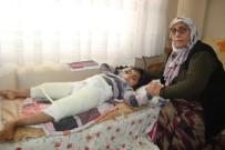 (Özel) Engelli Torununa 10 Yıldır Hem Annelik Hem Babalık Yapıyor