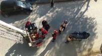 OBEZİTE - Rahatsızlanan Obezite Hastası Kadın Merdivenli Araçla İndirildi