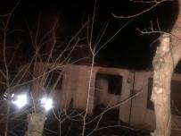 İSMAIL ÜNAL - Bilecik'te Ev Yangını
