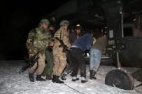 Kardan Yol Kapanınca Hastanın İmdadına Jandarma Helikopteri Yetişti