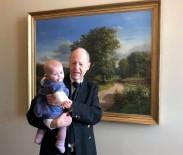 MUHAFAZAKAR - Danimarka Parlamentosunda Bebek İstenmedi