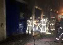 KARAHISAR - Kağıthane'de Market Deposunda Yangın