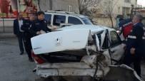 Kahta'da Zincirleme Kaza Açıklaması 3 Yaralı