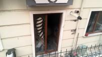 7 Katlı Binada Yangın Açıklaması 5 Kişi Dumandan Etkilendi