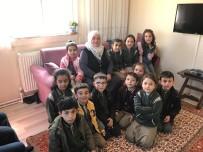 Agahefendi İlkokulu Öğrencilerinden Yaşlılara Ziyaret