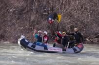 Bakan Varank, Munzur'da Rafting Yaptı