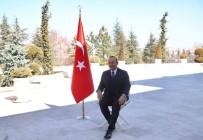 Dışişleri Bakanı Çavuşoğlu, Türkiye'nin Tanıtımı İçin Poz Verdi