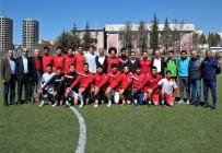 BEDEN EĞİTİMİ ÖĞRETMENİ - Eğitim Bir-Sen Şubeleri,  Türkiye Şampiyonu Liselilerle Bir Araya Geldi