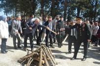 FOLKLOR GÖSTERİSİ - Nevruz Ateşi Yakıldı, Örste Demir Dövüldü