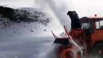 Tipiden Kapanan Kağızman-Ağrı Karayolu'nda Mahsur Kalanlar Kurtarıldı