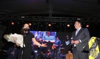 HAVAİ FİŞEK - Zafertepe'nin Yeni İmar Planı Koray Avcı Konseriyle Kutlandı