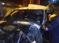 MESCID - Ağaca Çarpan Otomobilin Sürücüsünü Sıkıştığı Yerden İtfaiye Kurtardı