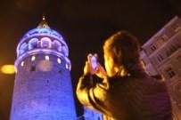 FATIH SULTAN MEHMET KÖPRÜSÜ - İstanbul'un Simgeleri Maviye Büründü