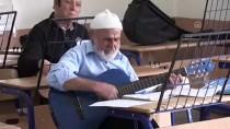 Müzik Aşkı 80 Yaşından Sonra Gitarist Yaptı