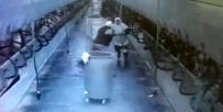 Tonlarca Ağırlıktaki Süt Tankeri Depremde Böyle Sallandı