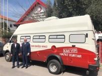Türk Kızılayı'ndan KKTC Kızılayı'na Araç Bağışı