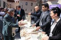 Vatandaşlara Bez Çanta Dağıtımı Devam Ediyor