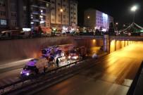 Cipe Çarpan Hafif Ticari Araç 10 Metre Yükseklikten Tünele Uçtu Açıklaması 3 Yaralı