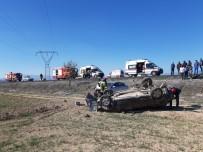 Denizli'de Çarpışan İki Otomobil Şarampole Yuvarlandı Açıklaması 4 Yaralı