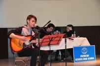 İngilizce Münazara Yarışmasının Finali Yapıldı