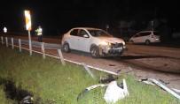 Otomobil Refüje Çarptı Açıklaması 1 Yaralı