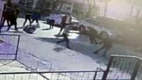 Gençler Arasında Bıçaklı Kavga Açıklaması 1 Ağır Yaralı