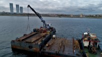 Hayalet Gemi 'Bereket'İ Sökmek İçin Dev Vinç Kuruldu
