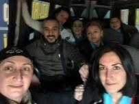 İYİ Partili Kadınlar Adapazarı'nda Kapı Kapı Dolaşıyor