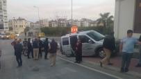 Kaza Yapan Araçtan İnip Bir Anda Bayıldı