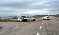 Otomobille Hafif Ticari Araç Çarpıştı Açıklaması 7 Yaralı
