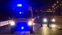 Bariyerlere Çarpan Otomobil Takla Attı