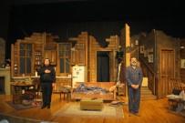 TRAVIS - 'Halktan Biri' Adlı Tiyatro Oyunu Kartal'da Sahnelendi