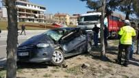 Hastane Yolunda Kaza Açıklaması 4 Yaralı
