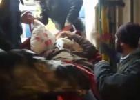 Karlı Yolu İş Makinesi Açtı, Ambulans Yaşlı Adama Ulaştı