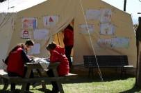 Okula Gidemeyen Deprem Çocuklarının Yardımına Kızılay Koştu