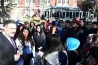 EŞIT AĞıRLıK - Rektör Çomaklı Mardin Büyükşehir Belediyesi Gençlik Merkezi Öğrencileri İle Buluştu