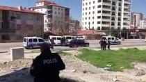 Silahlı Gaspçılar Polisten Kaçamadı