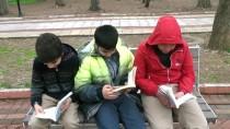 DEMOKRASİ PARKI - Adıyaman'da Kitap Okuma Etkinliği