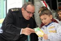 Jandarma Bağışladığı Kitaplarla Yüreklere Dokundu