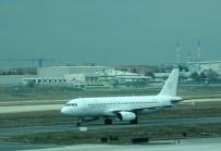 LITVANYA - Kabin Basıncı Düşen Litvanya Uçağı İstanbul'a İniş Yaptı