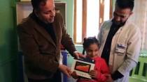 GAZİ YAKINI - Şemdinli'de Şehit Ve Gazi Çocuklarına Tablet Hediyesi