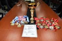 AY YıLDıZ - Şampiyon Sporculardan Vali Taşbilek'e Ziyaret