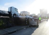 TEM Otoyolunda Otomobil Lüks Cipe Çarptı Açıklaması 2 Yaralı